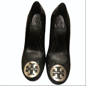 Tory Burch Sally Black Patent Leather Wedge 55M